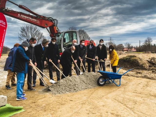 Spatenstich für die neue Betriebsstätte der Caritas-Wendelstein-Werkstätten in Rosenheim