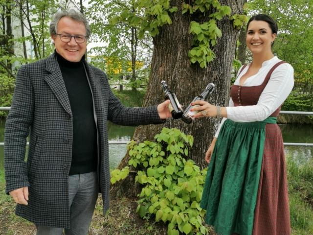 Unterstützung zur Wahl der ersten Bayerischen Bierkönig aus Rosenheim